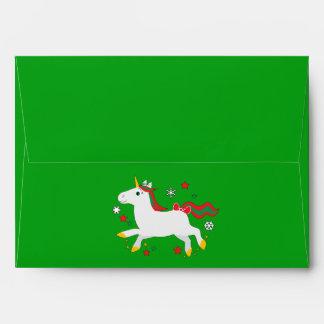 Unicornio del navidad con las estrellas sobres