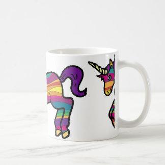 Unicornio del remolino del arco iris taza básica blanca