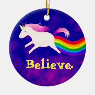 Unicornio divertido del vuelo Farting un arco iris Adorno Navideño Redondo De Cerámica