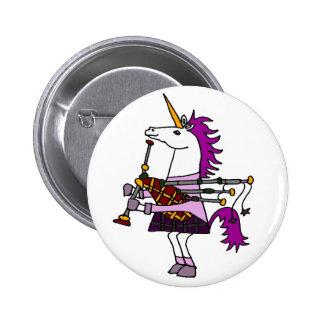 Unicornio divertido que juega arte de las gaitas pin redondo de 2 pulgadas