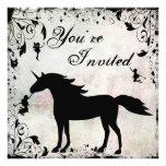 Unicornio e invitación mágica del cumpleaños de la