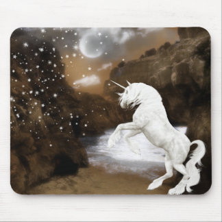 Unicornio en claro de luna tapetes de ratón