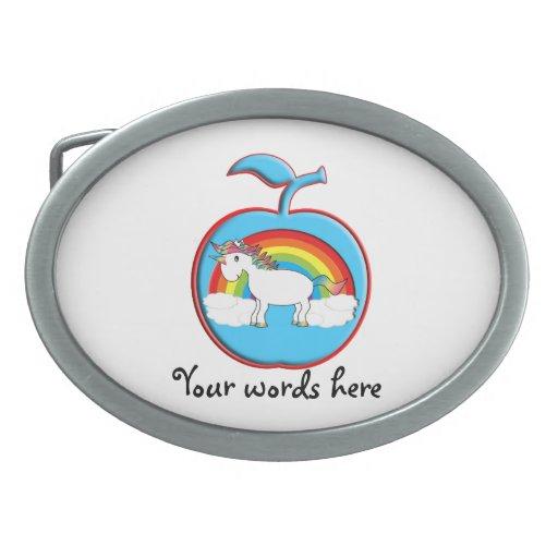 Unicornio en el arco iris en manzana hebillas de cinturon