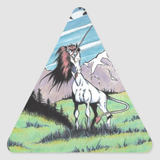 Unicornio en el claro pegatina triangular