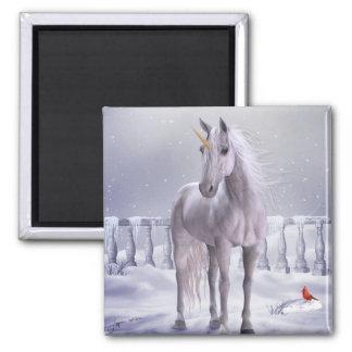 Unicornio en el imán del refrigerador de la nieve
