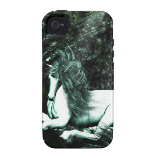 Unicornio en las maderas profundas iPhone 4/4S funda