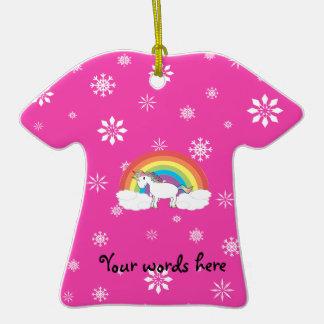 Unicornio en los copos de nieve rosados de las nub ornamentos de navidad