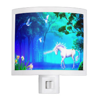 Unicornio en paraíso luces de noche