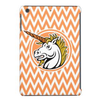 Unicornio enojado; Rayas anaranjadas y blancas de Fundas De iPad Mini