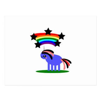 Unicornio extraño y arco iris feliz del hippy tarjeta postal
