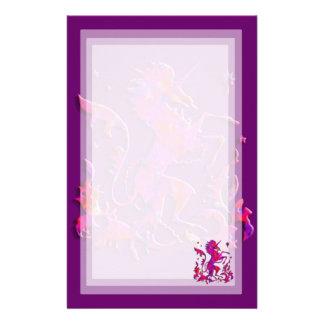 Unicornio Herald: Rosa y púrpura Papeleria De Diseño
