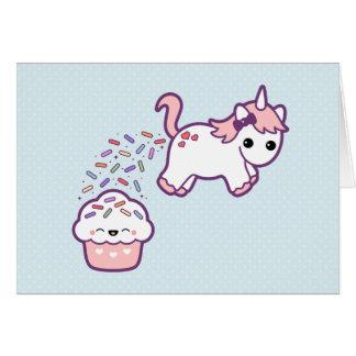 Unicornio lindo con la magdalena tarjeta