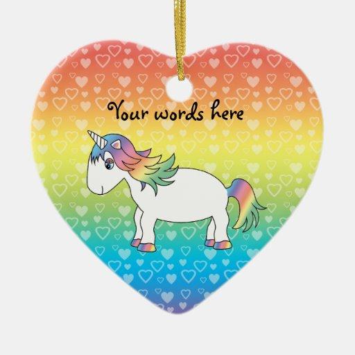 Unicornio lindo del arco iris en corazones del arc ornaments para arbol de navidad
