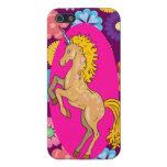 Unicornio místico colorido en las flores púrpuras  iPhone 5 coberturas