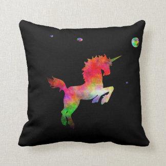 Unicornio Multi-hued del espacio profundo Cojín