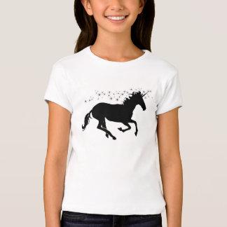 Unicornio negro con las estrellas mágicas playera