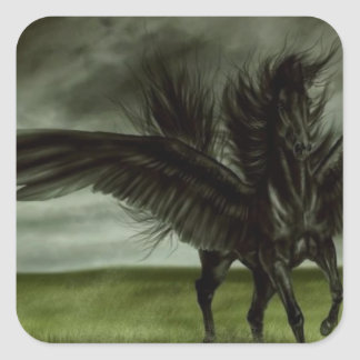 Unicornio negro en campo abierto pegatina cuadrada