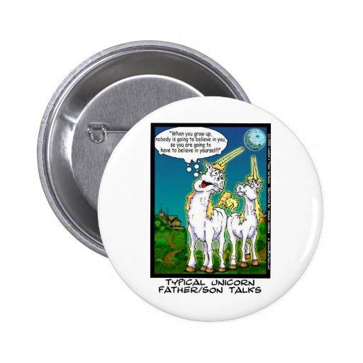 Unicornio que enlaza los regalos y los coleccionab pin redondo 5 cm