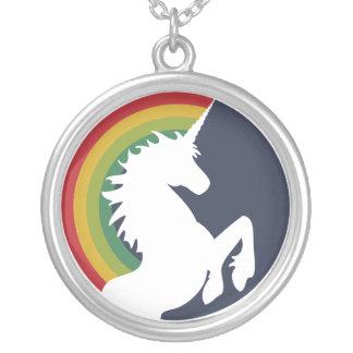 unicornio retro de los años 80 y collar del arco i