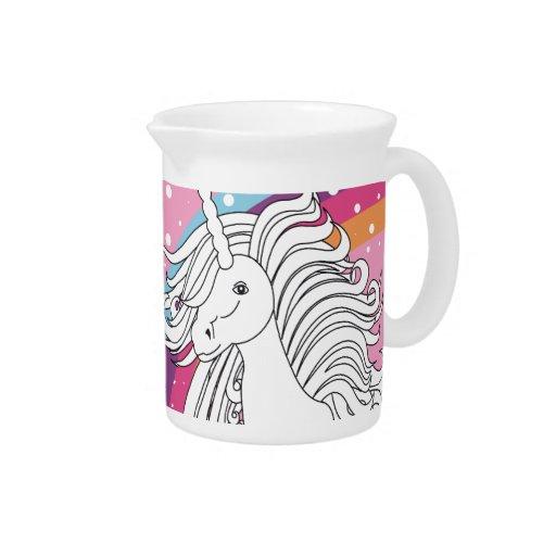 Unicornio rodeado por rosa del arco iris y de los  jarra