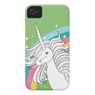 Unicornio rodeado por verde del arco iris y de los iPhone 4 protectores