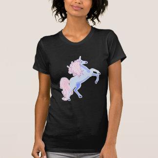 unicornio rosado bonito de la melena camiseta