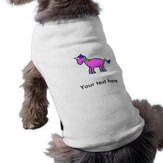 Unicornio rosado con la melena del arco iris playera sin mangas para perro