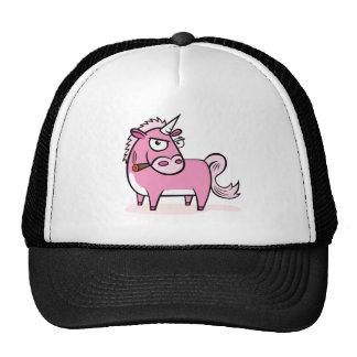 Unicornio rosado que fuma gorra