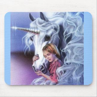 unicornio y niña tapete de ratón