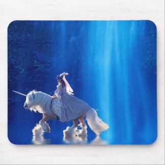 Unicornio y su señora mousepads