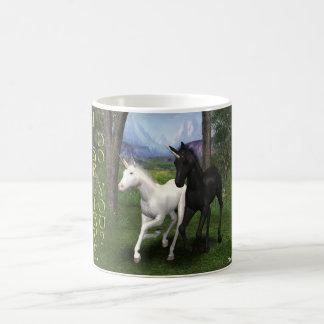 Unicornios jovenes taza mágica