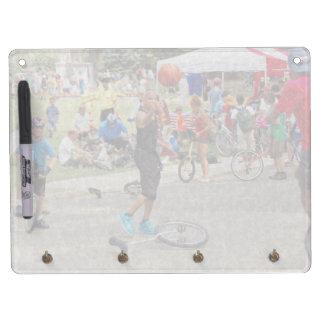 Unicyclist - baloncesto - reglas de la calle pizarra