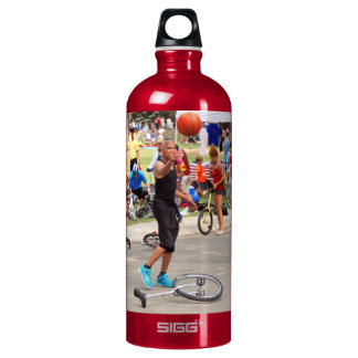 Unicyclist - Basketball - Street rules Water Bottle