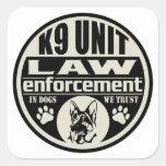 Unidad K9 en perros que confiamos en Pegatinas Cuadradas