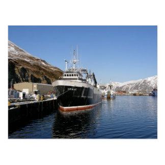 Unimak, barco rastreador de fábrica en el puerto h postales