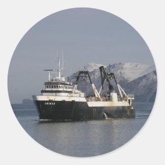 Unimak, Factory Trawler in Dutch Harbor, AK Classic Round Sticker
