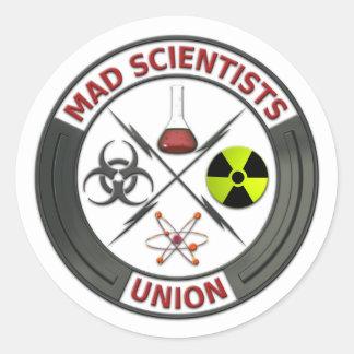 Unión enojada del científico pegatina redonda