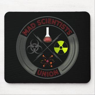 Unión enojada del científico alfombrillas de ratón