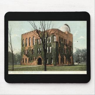 Universidad de Adalberto, vintage 1910 de Clevelan Alfombrillas De Raton