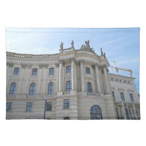 Universidad de Humboldt de la Facultad de Derecho Manteles Individuales