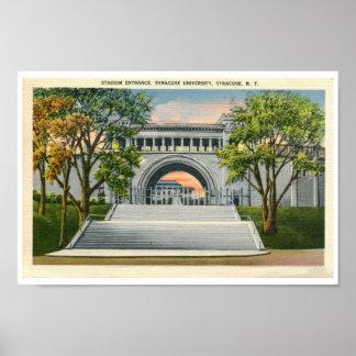 Universidad de Syracuse de la entrada del estadio  Posters