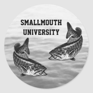 Universidad del Smallmouth - pesca de la lubina Pegatinas Redondas