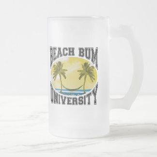 Universidad del vago de la playa taza de cristal