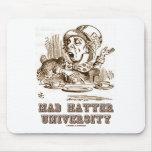 Universidad enojada del sombrerero (país de las ma alfombrillas de ratón