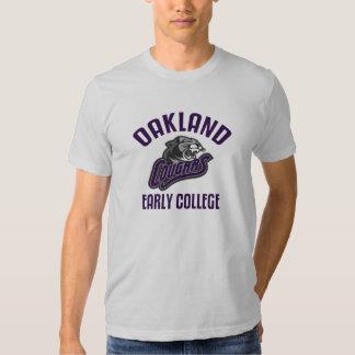 Universidad temprana de Oakland Playera