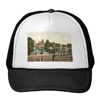 University Bridge with Cathedral, Sandkirche and C Trucker Hat