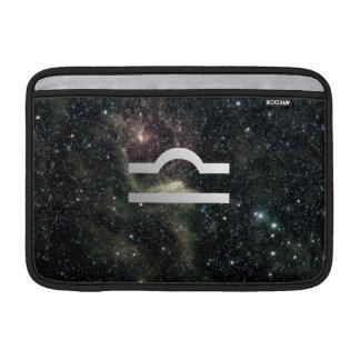 Universo de la muestra de la estrella del zodiaco funda para macbook air