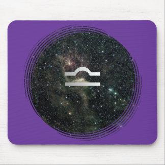 Universo de la muestra de la estrella del zodiaco  tapetes de ratones