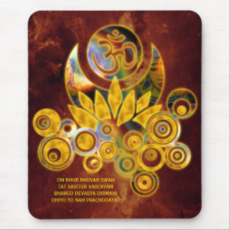 Universo del MANTRA el | de OM Lotus y de GAYATRI Alfombrilla De Ratón