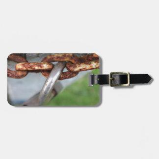 unlocked luggage tag